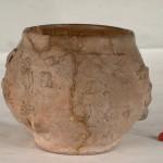 Лонац од печене земље украшен барботином, Старчево-Град