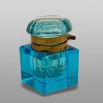 Мастионица, плаво стакло, Беч, 19.век, из заоставштине Мине Караџић Вукомановић