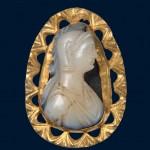 Медаљон са камејом, злато, опал, Костолац (Viminacium), прва половина 4. века