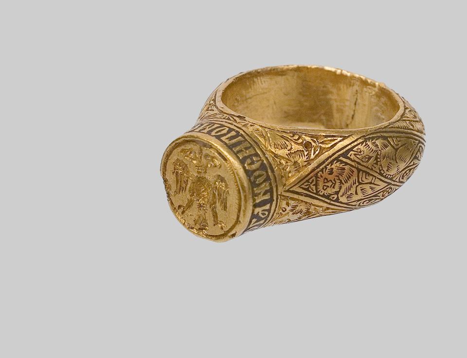 [Слика: prsten-kraljice-Teodore-Narodni-muzej.jpg]