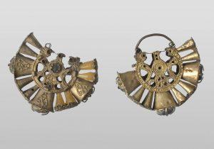 Naušnice, prva polovina 14. veka, srebro, dragi kamen, Markov grad kod Prilepa