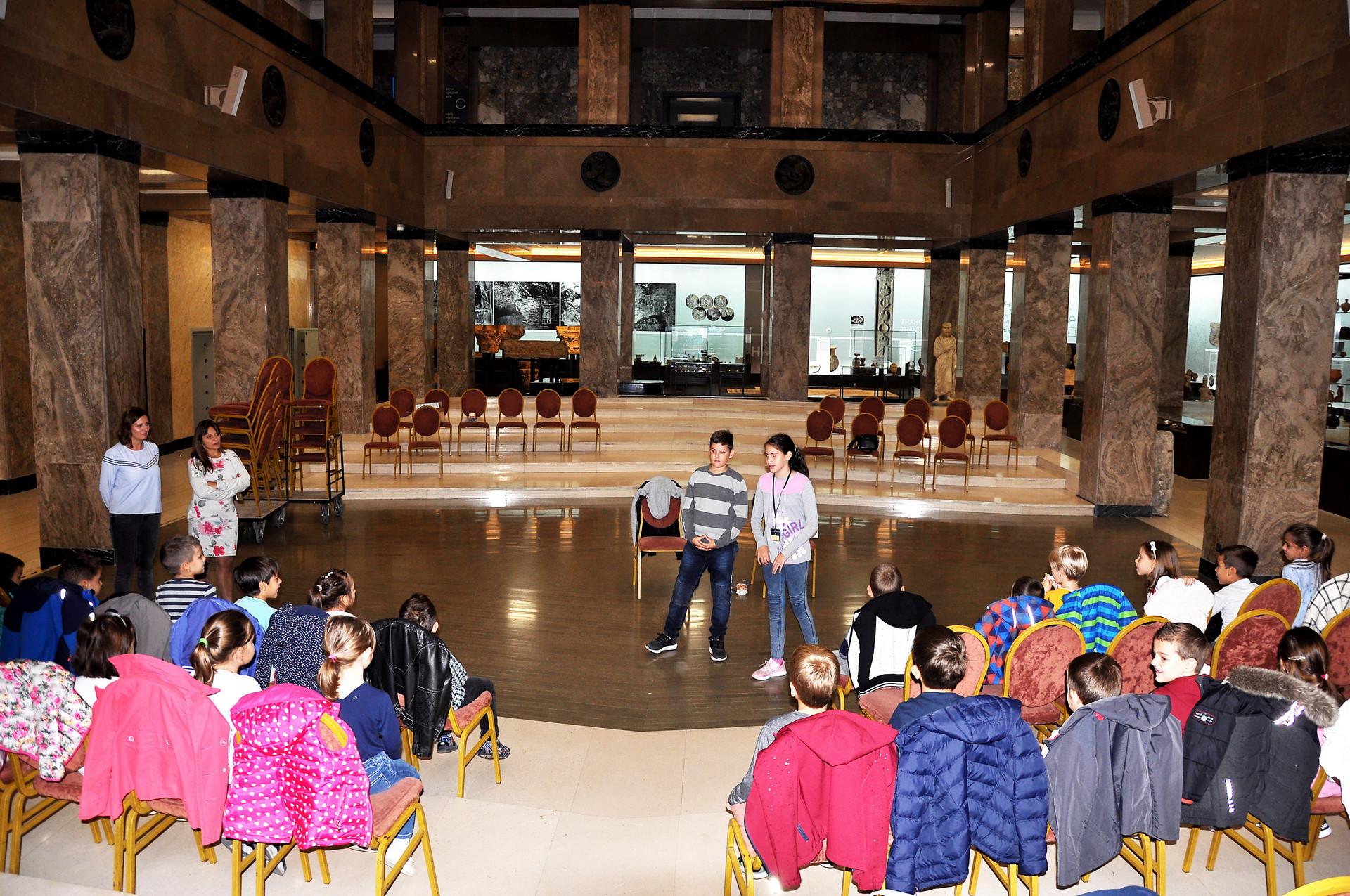 Početak: Mila i Laza predškolcima objašnjavaju pravila prve igre