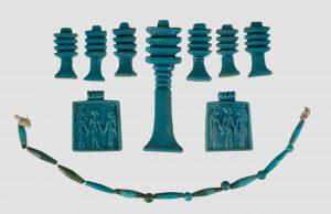 Amuleti i ogrlica od fajansa